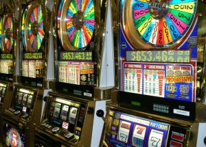 How to Avoid Losing When Playing Slot Machines in Online Casino